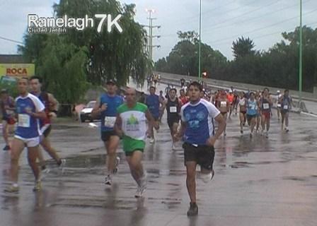 Lautaro Tabasco dictó cátedra en la Ranelagh 7K