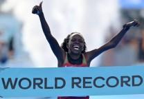 peres running record 21k mujeres medio maraton