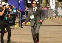 running traje 1